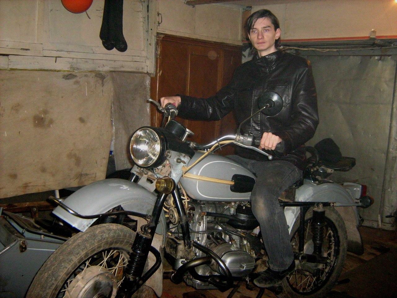 Гола на мотоциклі фото 77-202